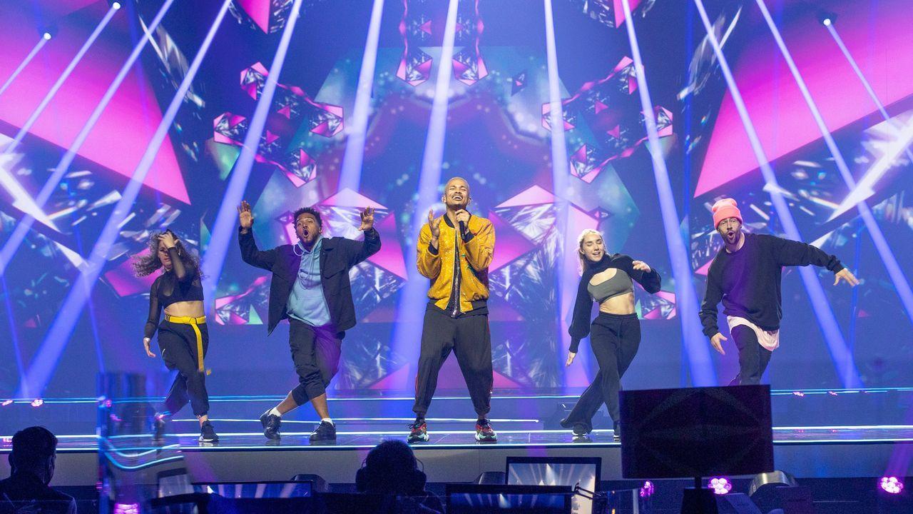 República Checa: el cantante Benny Cristo ensayando su tema «Omaga» sobre el escenario de Eurovisión 2021