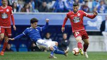 Jimmy disputa un balón con Borja Valle en el Real Oviedo-Dépor