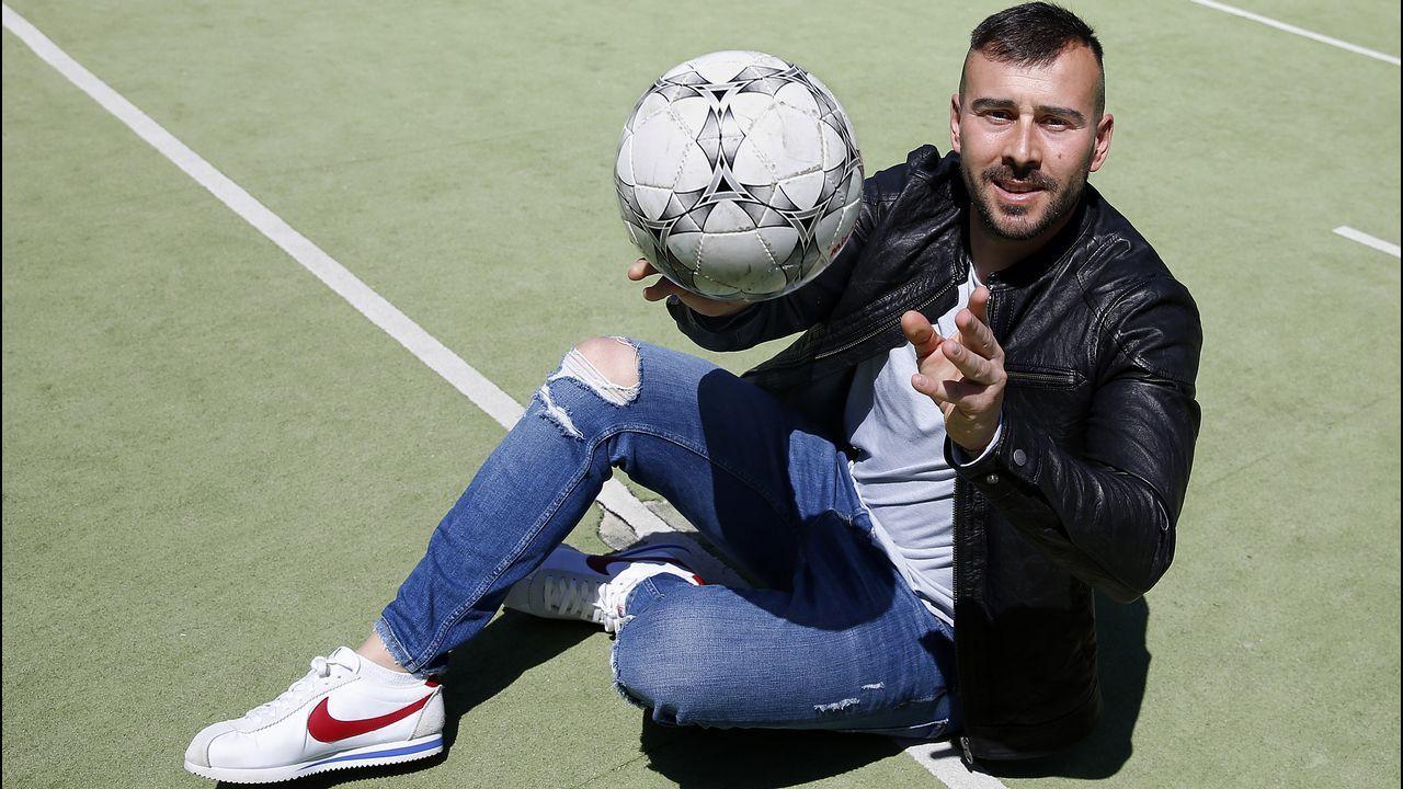 ¡Búscate en el partido de tercera división entre el Boiro y el Ribadumia!