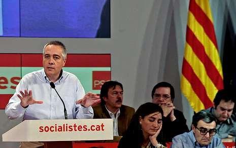El socialista catalán Pere Navarro aseguró ayer que su partido debe abrirse a un gran debate.