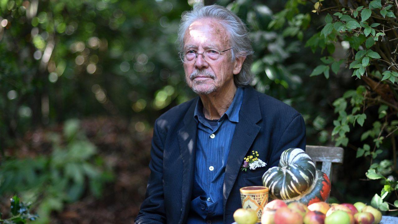 Las imágenes del Baxi - Barakaldo.Handke, en su casa cerca de París, la tarde en que conoció que había sido galardonado con el Nobel 2019