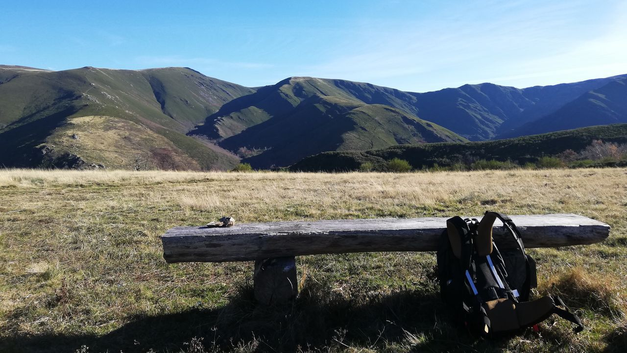 Ruta de senderismo hacia el pico O Seixo, en Chandrexa de Queixa