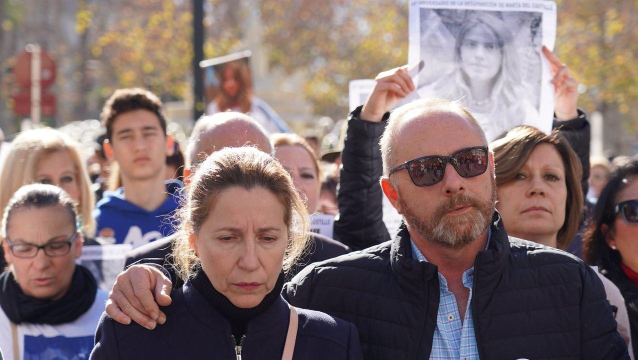 Los padres de Marta del Castillo, el pasado mes de enero, en una manifestación en Sevilla para exigir la repetición del juicio