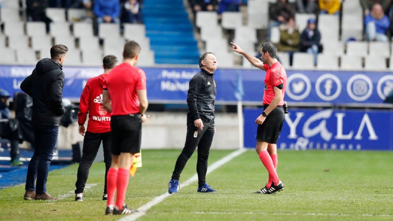 AnquelaLuis Mario Milla Alvendiz Real Oviedo Barcelona B Carlos Tartiere.Anquela es expulsado por el colegiado Milla Alvendiz