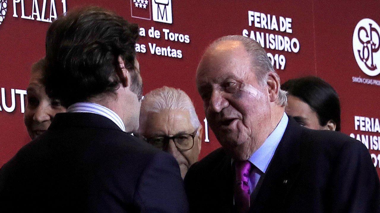 El rey Juan Carlos, hace dos semanas, con el rostro amoratado todavía por la operación