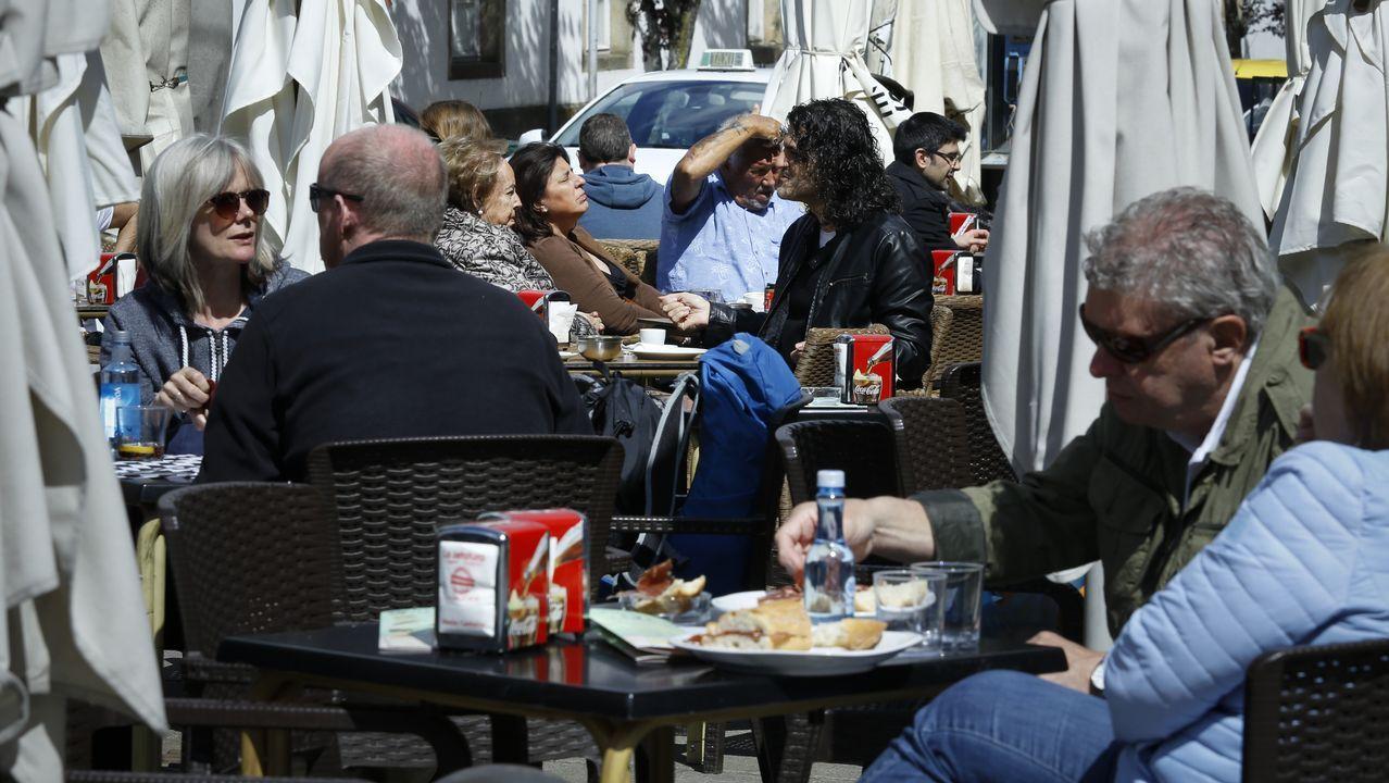 A Coruña vive su día más cálido del año en la playa.Si la nieve sorprendió a los peregrinos estos días en O Cebreiro, en otras zonas se pudo disfrutar del sol