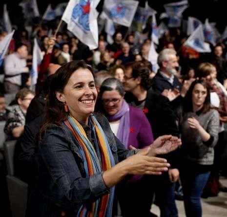 La candidata Ana Miranda, al comienzo del mitin.