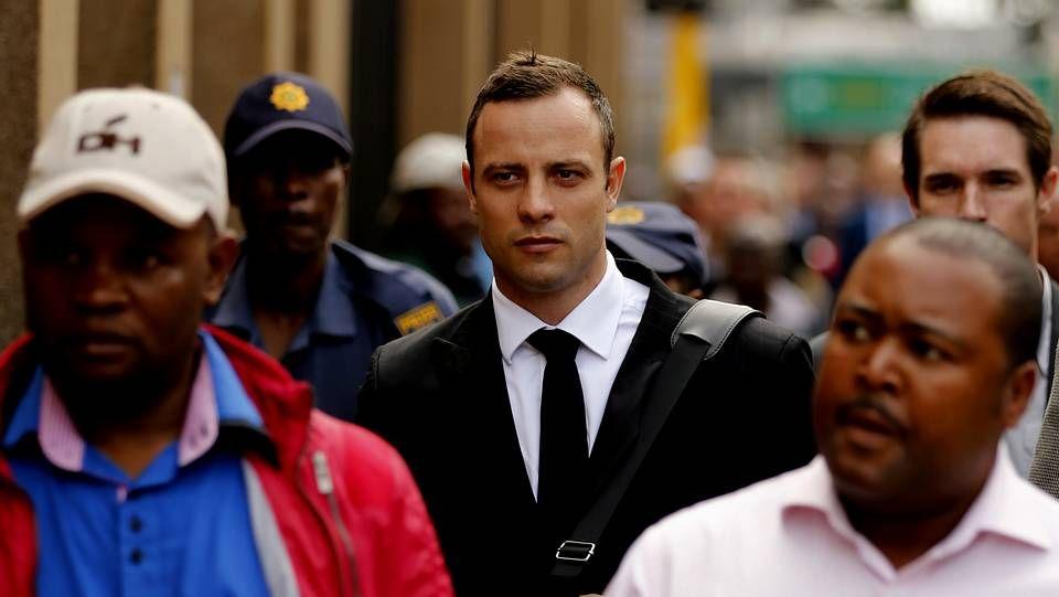 Oscar Pistorius llegando al juicio