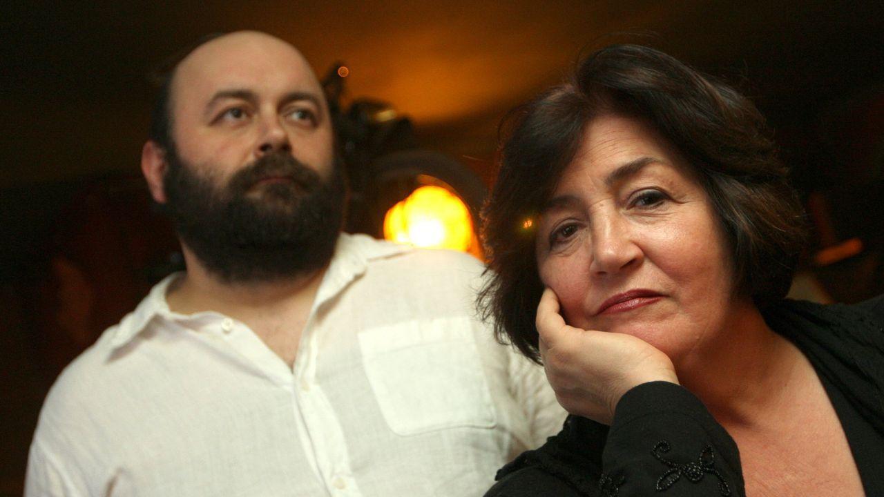 María Manuela, en una imagen de archivo, junto a su hijo Xurxo
