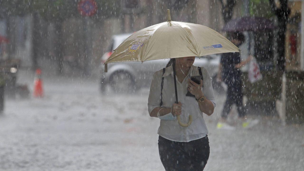 En solo media hora cayeron en Monforte quince litros de lluvia por metro cuadrado