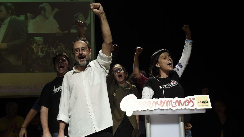 gráfico portada elecciones catalanas.FERNANDO VILLAR   EFE