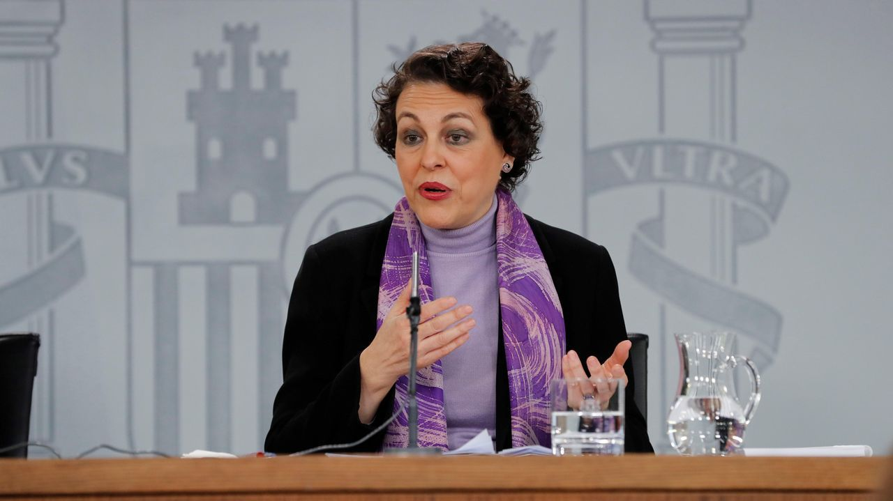 | EFE.Carmen Calvo y Josep Borrell en la rueda de prensa posterior al último Consejo de Ministros, celebrado el pasado día 1