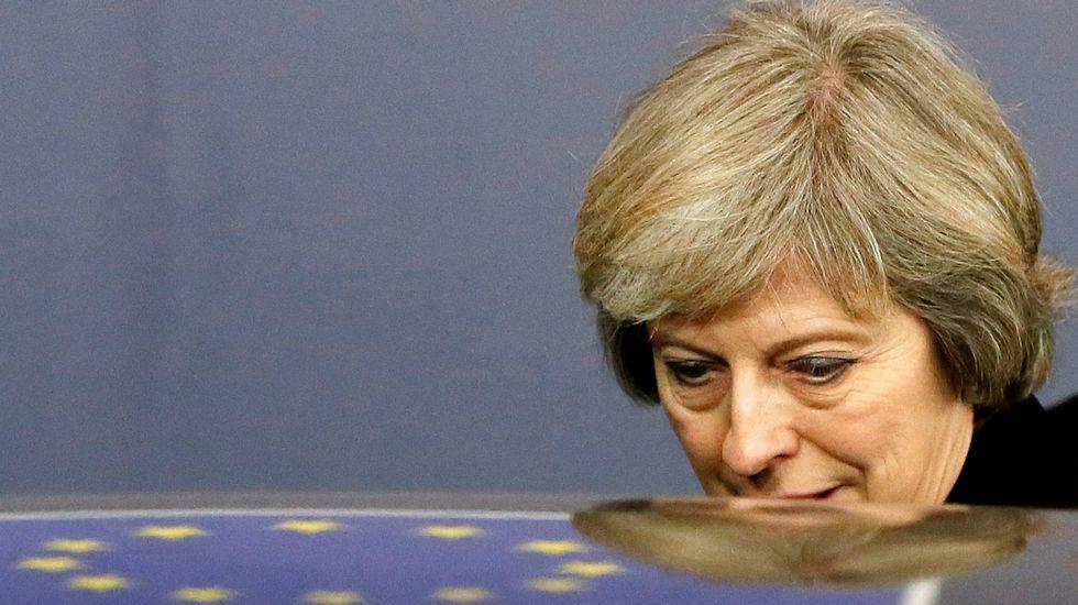 Gibraltar denuncia la «incursión ilegal en aguas territoriales gibraltareñas y británicas» del buque.Jean-Claude Juncker y Theresa May durante una reunión celebrada en Malta el pasado mes