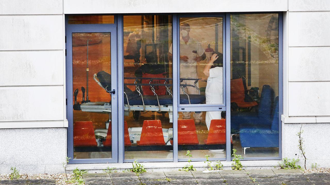 Unidad de reanimación de críticos covid en el complejo hospitalario dePontevedra.Hospital Montecelo, en Pontevedra, donde este viernes hay 84 pacientes covid en planta y 20 graves en unidades de críticos