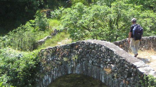 La Fontana de Trevi vuelve estar a disposición de los turistas.La veintena de acusados regresaron ayer a la Audiencia.