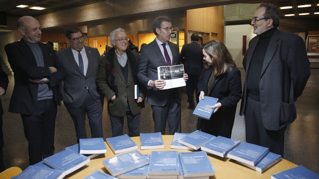 gallego.Quintáns, Gallego Jorreto, Inés Rey y Núñez Feijoo, en la presentación de la revista «Archives»