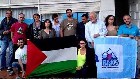 La resistencia de la Franja de Gaza.Los nacionalistas con la bandera del partido y la de Palestina.