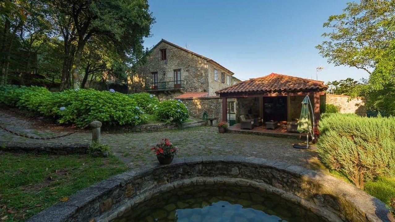 Así son algunas de las casas más singulares y exclusivas de Barbanza.Álex Carou e Irene Gómez tenían previsto casarse en el mes de septiembre y retrasaron el enlace un año