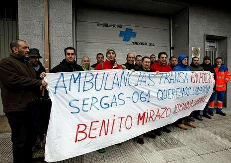 La plantilla de Transa protestó ayer en la sede de la empresa.