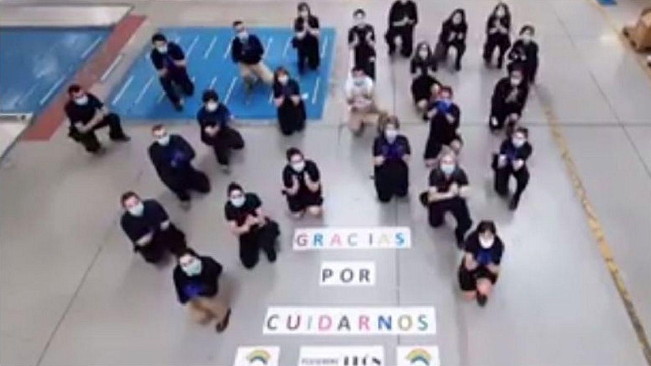 Los empleados dan las gracias y un aplauso al final del vídeo
