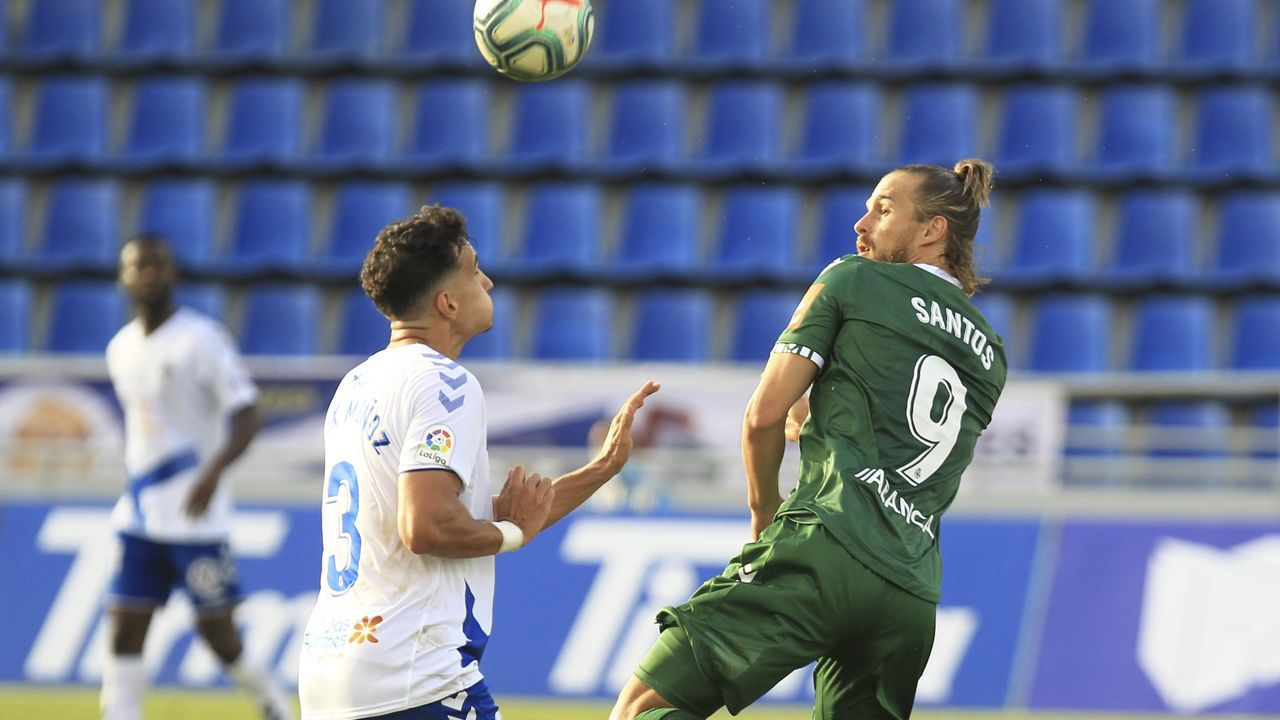 Ibra y Mossa celebran uno de los goles marcados al Albacete