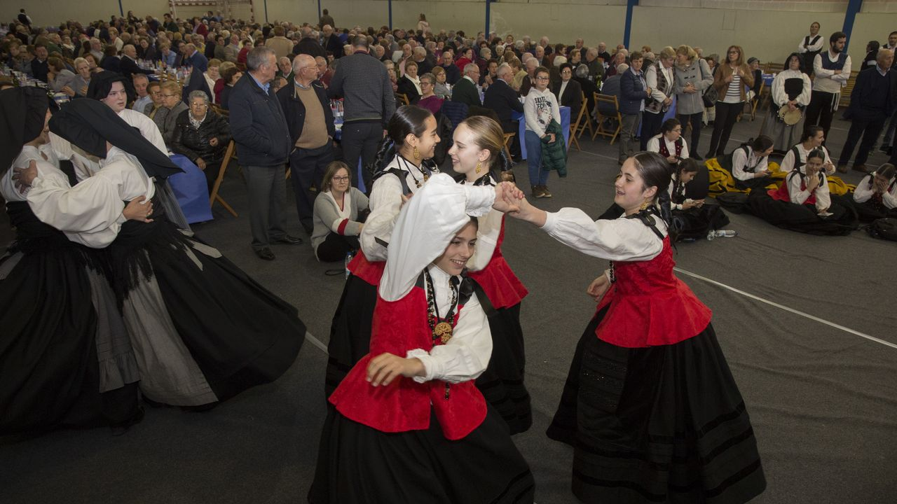 Todas as imaxes da Festa dos Maiores de Zas