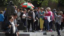 Un grupo de turistas en Oviedo