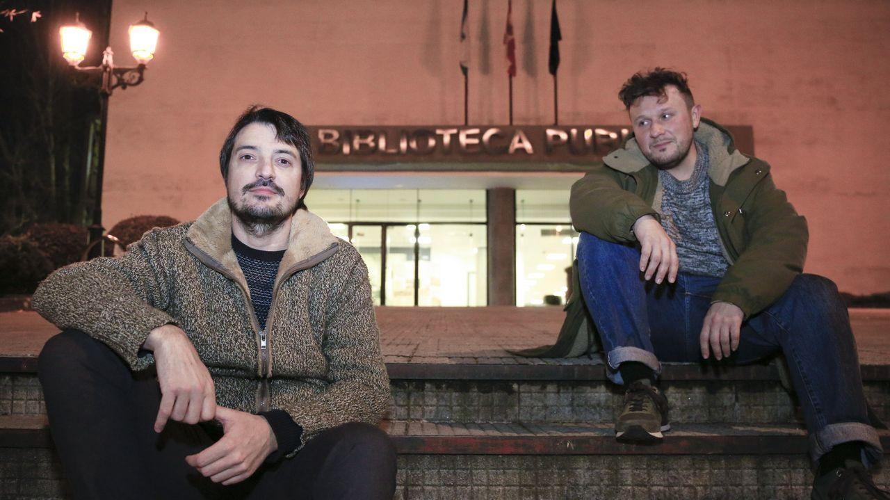 A la izquierda, el escritor Luís López, y a la derecha el fotógrafo Rafa Mallo