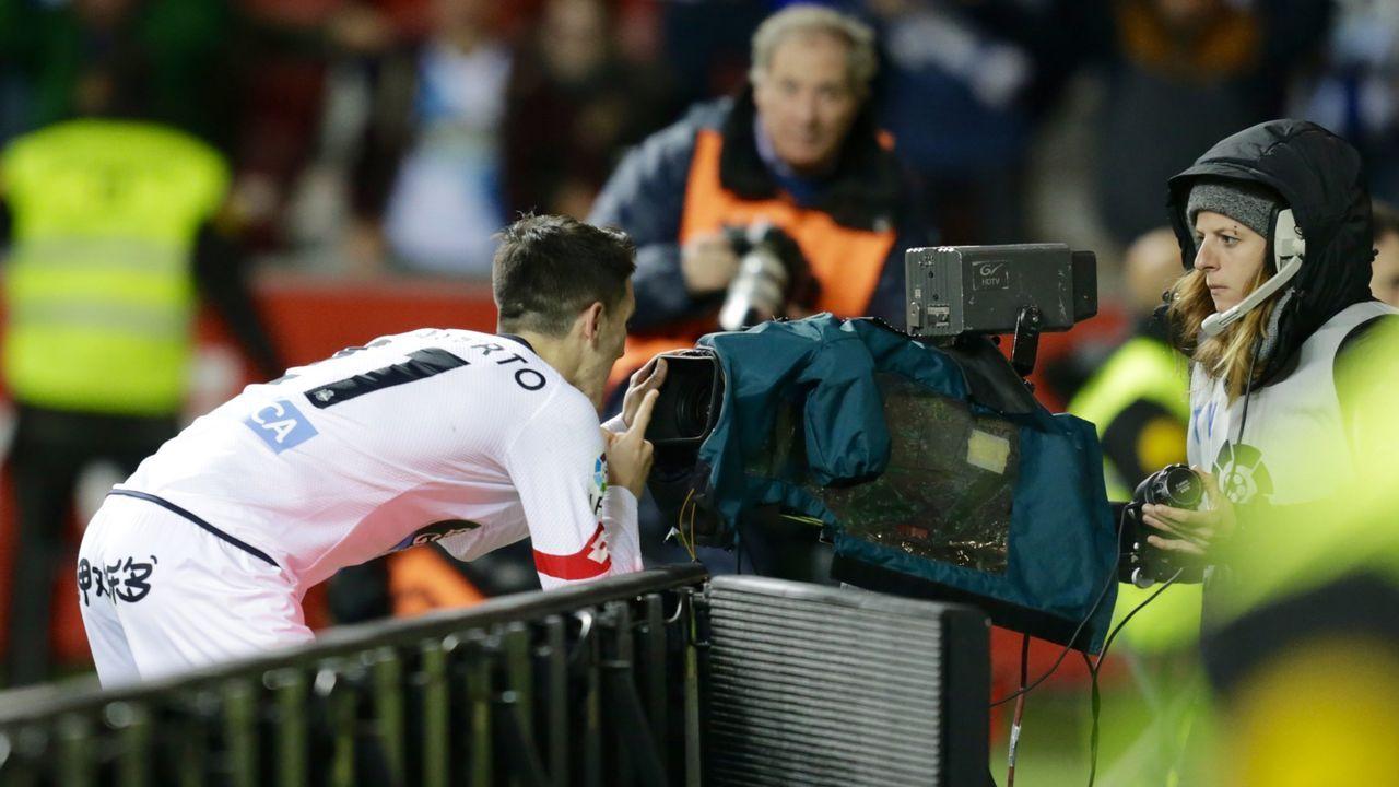 Fabbrini Real Oviedo Albacete Carlos Tartiere.Fabbrini trata de deshacerse de un futbolista del Albacete