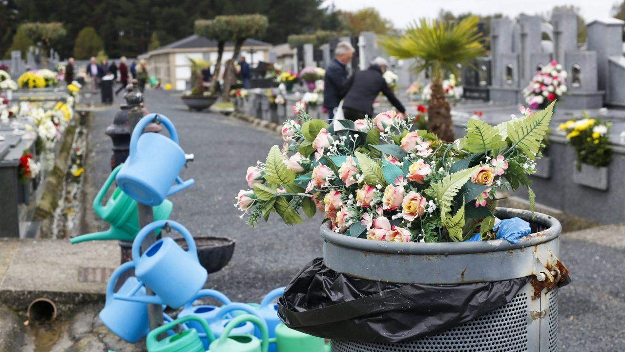 Día de Santos en el cementerio de San Froilán