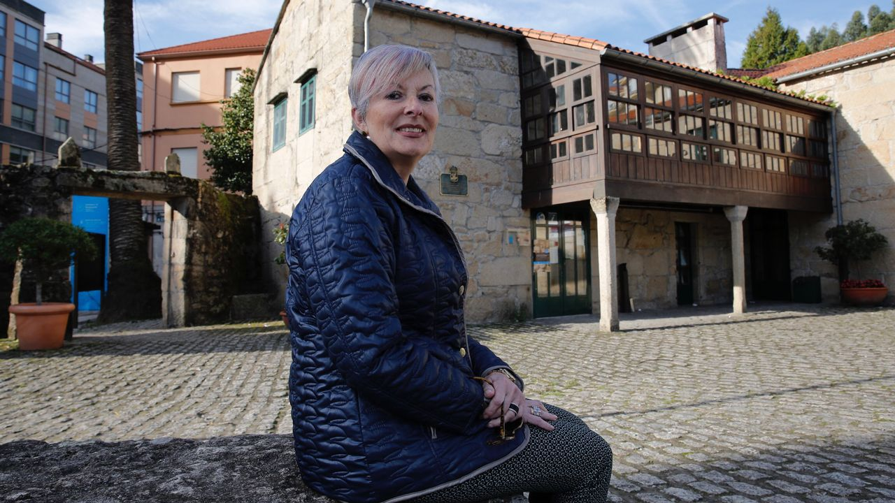 Cientos de moteros se citaron en Noia para dar ánimos al pequeño Marcos en su carrera por la vida.Un avión de Iberia Express