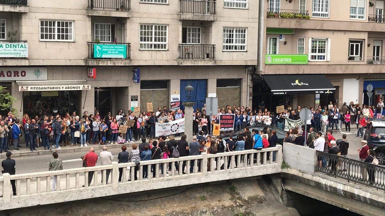 Protestas en Redondela contra la apertura de una casa de apuestas