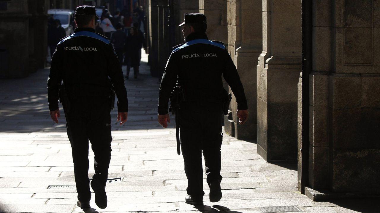 En una imagen de archivo, una patrulla de la Policía Nacional, cuerpo que detuvo a la mujer peruana por acosar a su expareja y que en mayo también la arrestó por estafa y falsedad documental