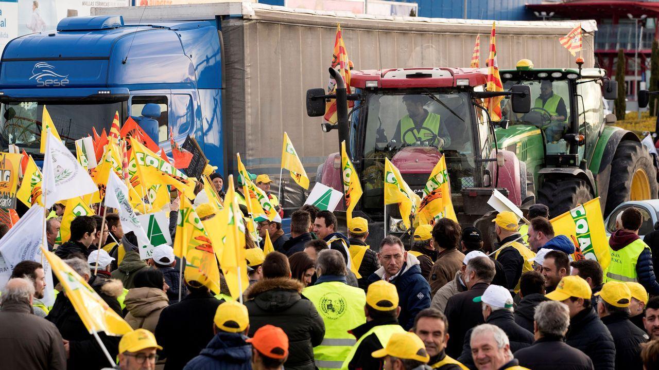 Batalla campal en Agroexpo, Extremadura.Borja Sánchez, en una acción ante el Extremadura
