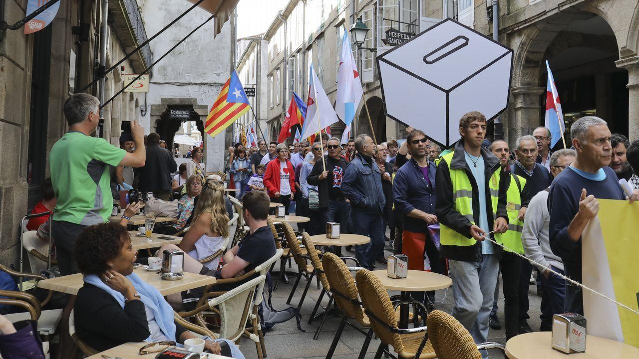 Manifestación en Santiago a favor del referendo.Manifestación a a favor del referendo en Santiago