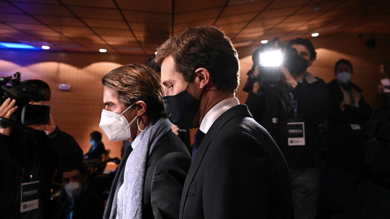 Aznar y Casado, ayer en Madrid, en un coloquio organizado por el Instituto Atlántico
