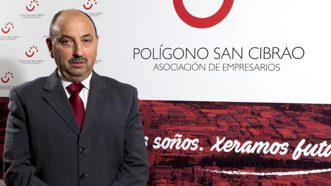 Adriana Domínguez presenta las cuentas de la compañía textil Adolfo Domínguez.Adolfo Domínguez, en la presentación de su libro en Ourense