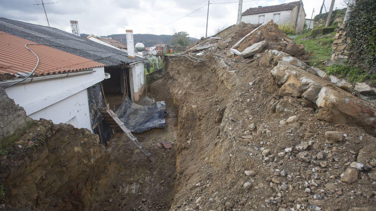 Derrumbe de un muro en Anllóns, Ponteceso