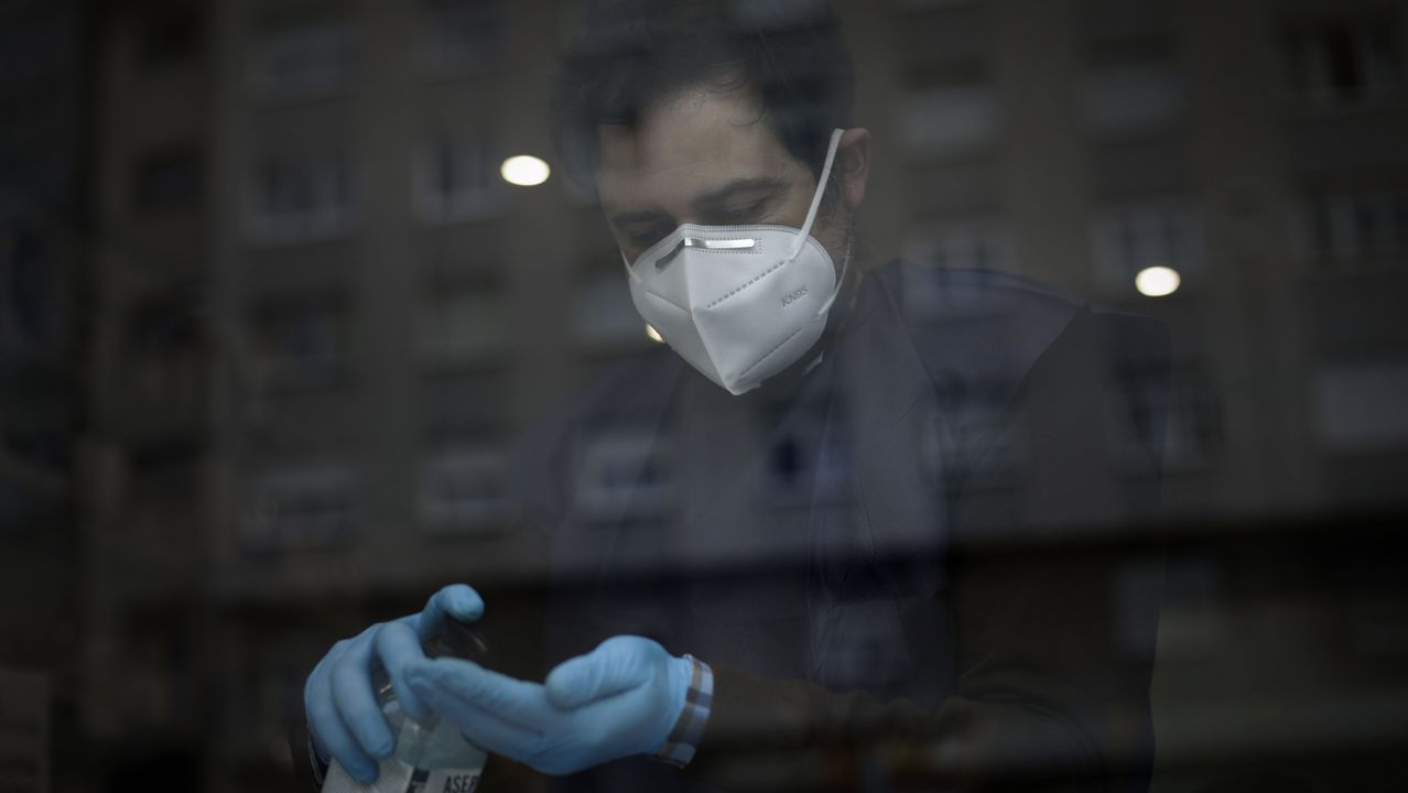 Donald Trump propone inyectar desinfectante y luz solar a pacientes con coronavirus.Trump ha ordenado que se reabran los parques nacionales de Estados Unidos