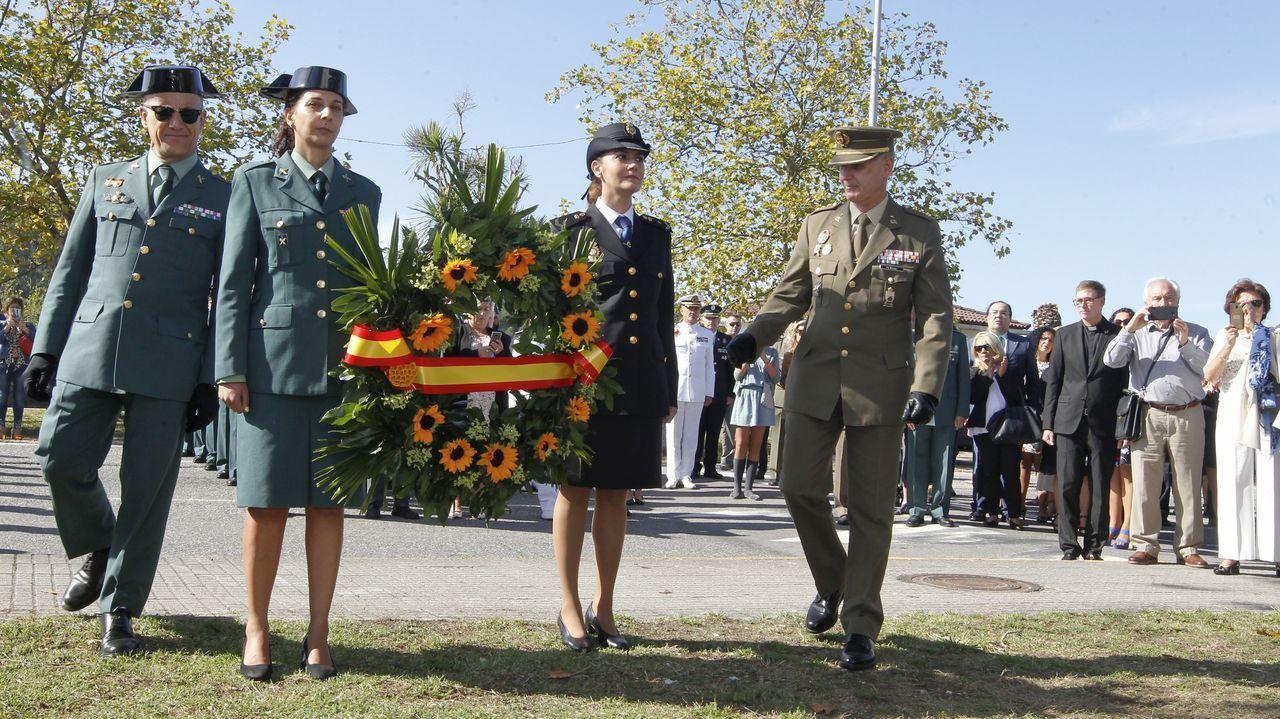 Vilanova rinde homenaje a las víctimas de las fuerzas armadas