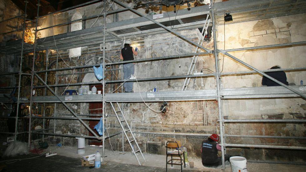 Os murais da nave da igrexa foron restaurados en tres campañas sucesivas