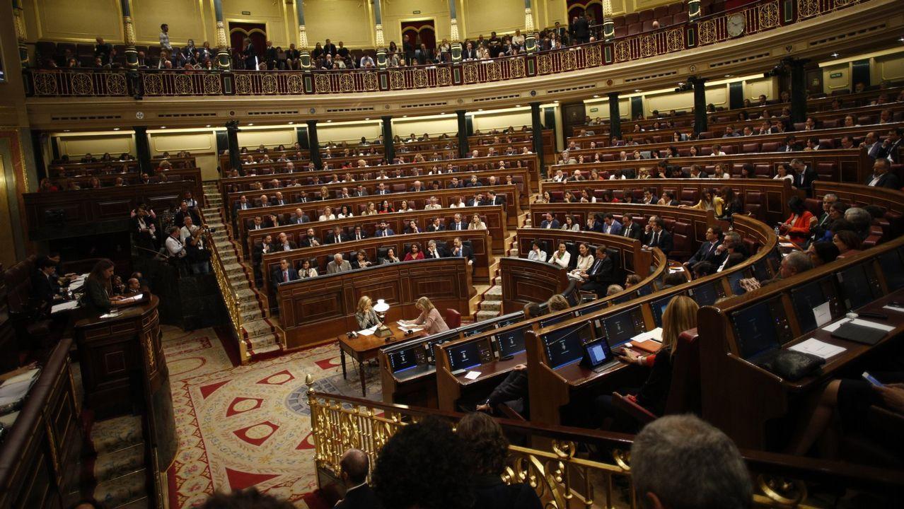 El abogado de Puigdemont, Gonzalo Boye, tuvo que presentar su documentación en el registro como le ordenó una funcionaria de la Junta Electoral.De izquierda a derecha, Forn, Romeva y Junqueras en el juicio por el desafío secesionista