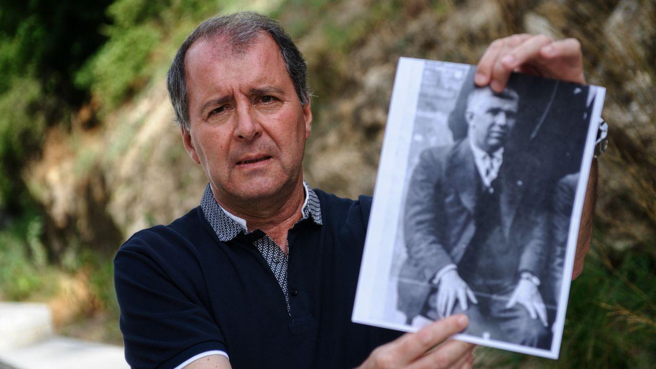 Procesión bajo velas y antorchas en Monforte.José Luis es nieto de Martín Ferreiro, asesinado en el campo de concentración de Gusen