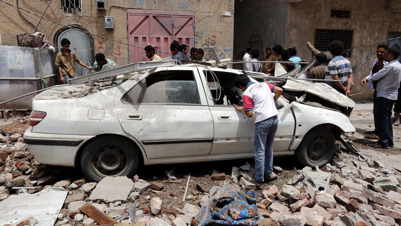 El mas sangriento atentado del Estado Islámico en Yemen dejó unos 150 muertos en una mezquita chíí