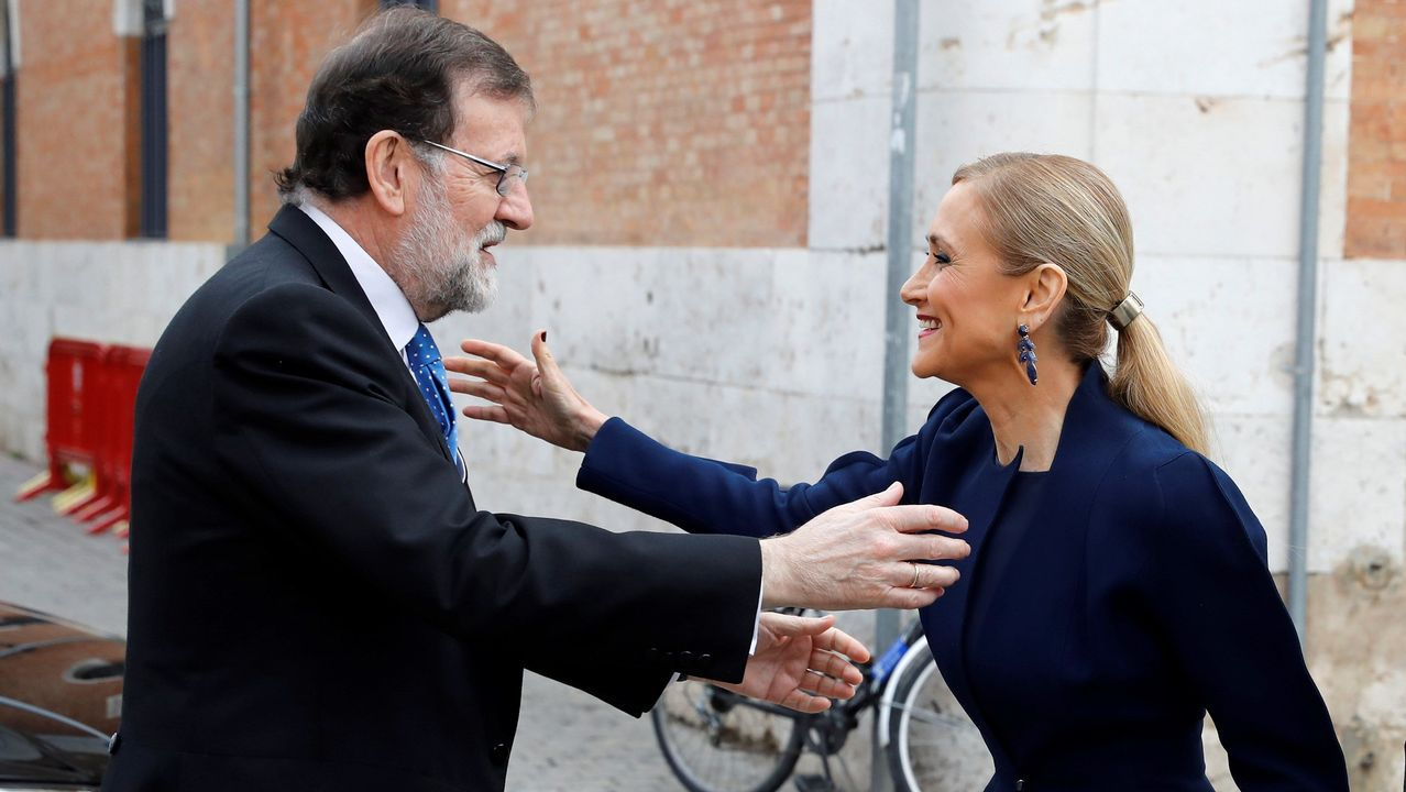 Los once años de Sofía, en fotos.Rajoy y Cifuentes se saludan en Alcalá de Henares