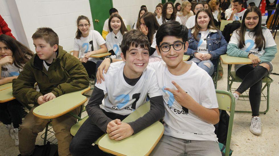 Rapaces do IES Xelmírez I (Santiago) na presentación do programa 21 días co galego e +