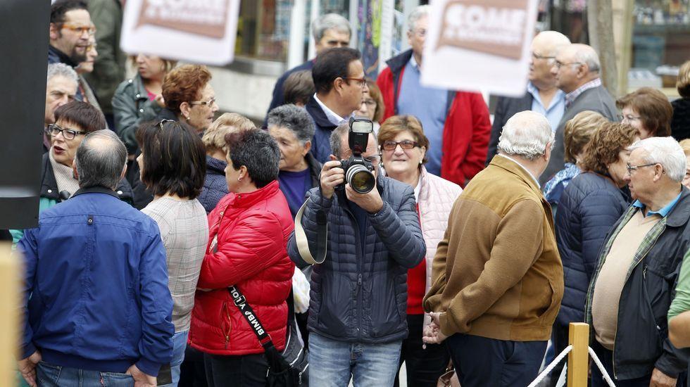 Numeroso público seguío con interese na praza de España a gravación da fase de competición deste concurso televisivo