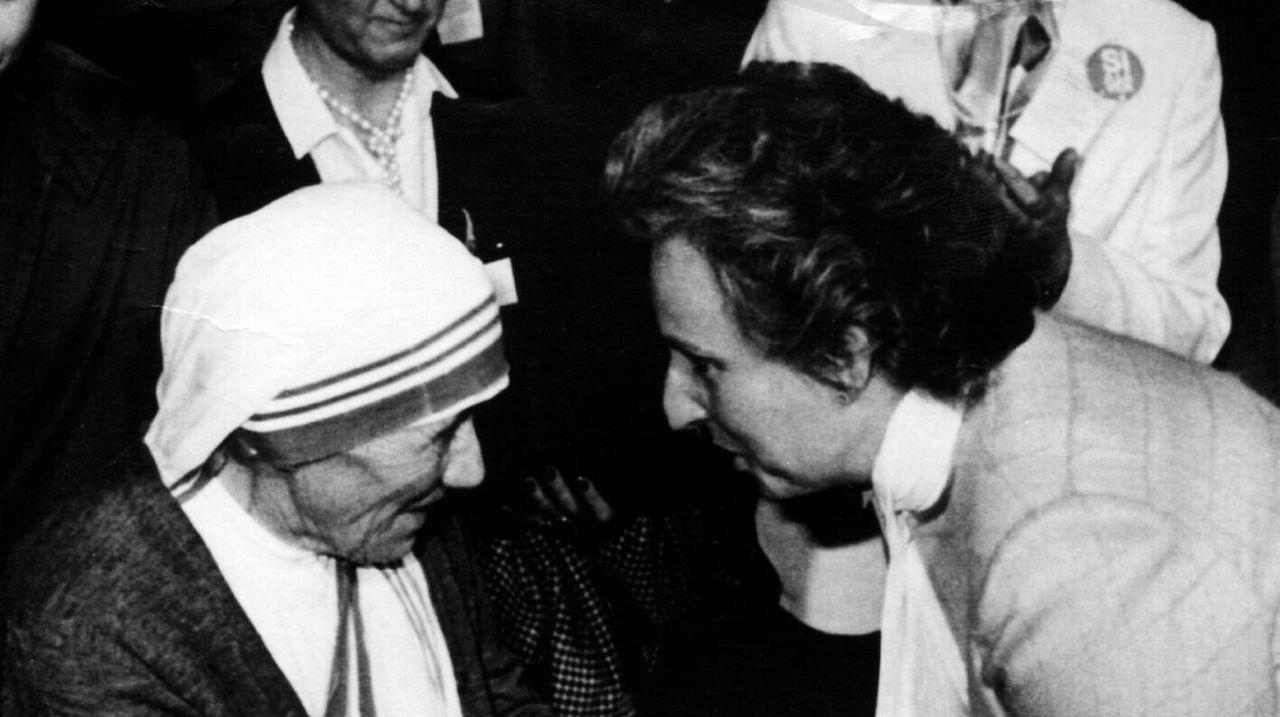 Saludando a la madre Teresa de Calcuta en el año 1983