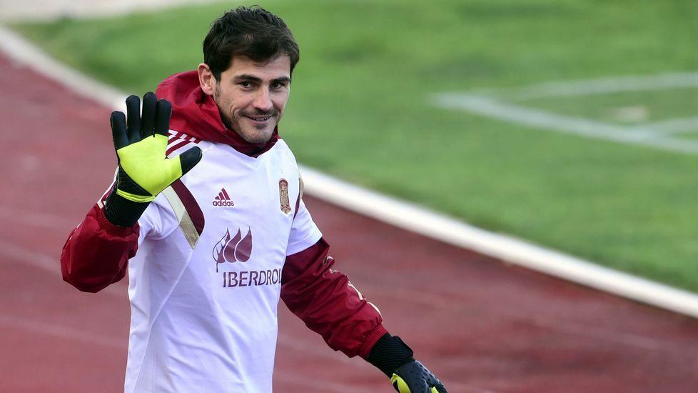 La emocionante despedida de Casillas.Otero y su grupo cuestionaba la fórmula para elegir primer suplente.