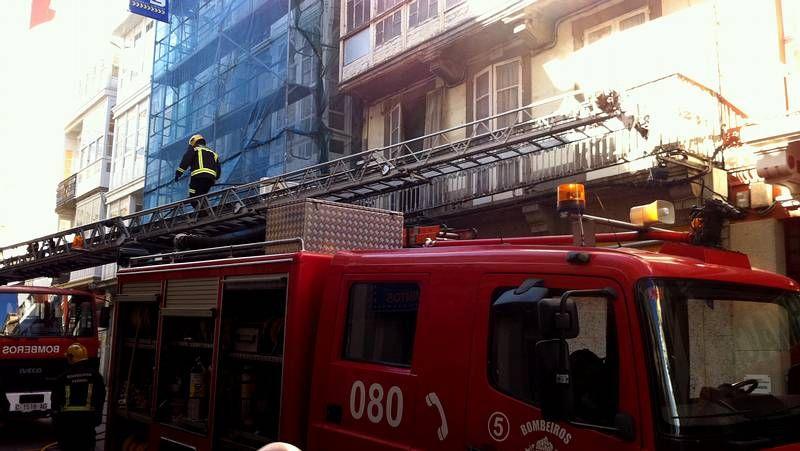 Incendio en un edificio de A Magdalena